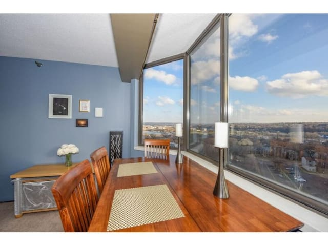 Incredible Downtown Condo with Amazing Views - Saint Paul - Kondominium
