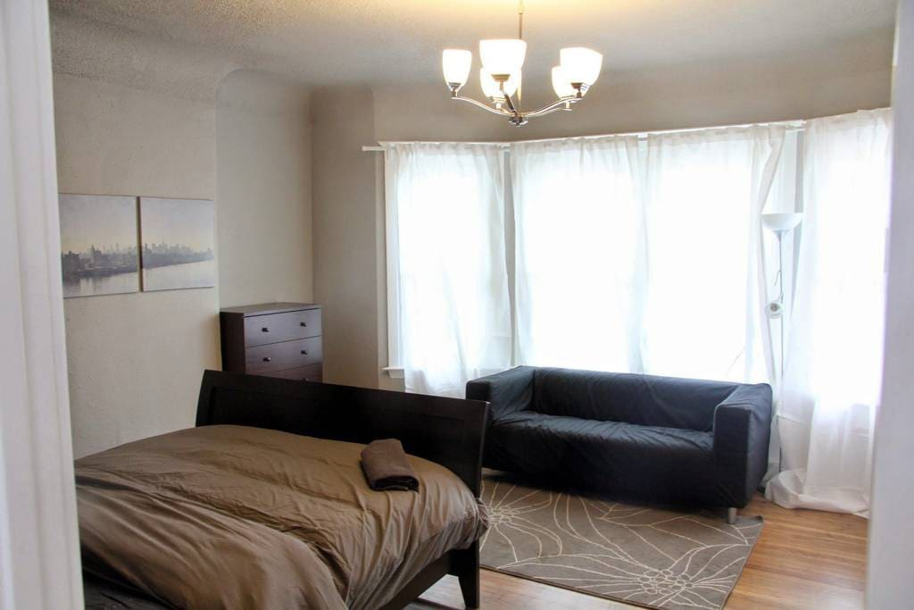 Couch and Dresser included