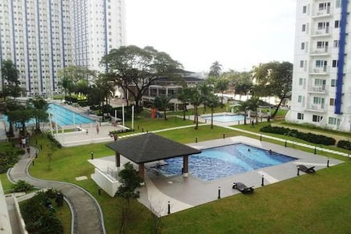 Cozy 1BR Condo Near Mall w/ Wi-fi & Amenities View - Quezon City - Kondominium