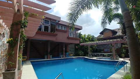 Palmer's Paradise Private Pool Resort