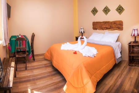 Cosy Double room in Yanque @LeFoyerColca