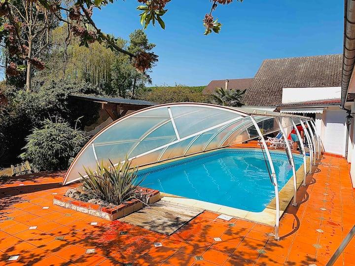 Lilly  gîte -10 chambres- piscine-jardin-
