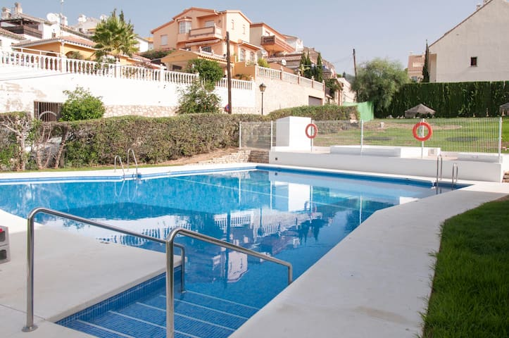 SUNNY TOWNHOUSE IDEAL FOR FAMILIES OR FRIENDS - Mijas - Haus