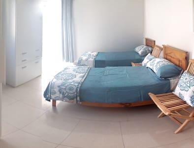 Lovely St Julians home with Terrace - San Ġiljan