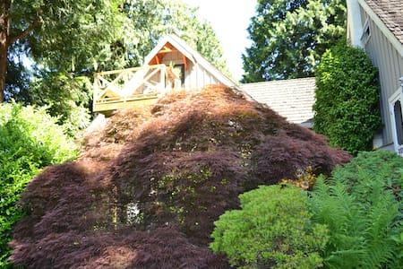 Private Loft in the Cedars... - แวนคูเวอร์ - ลอฟท์