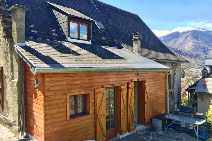 Jolie maison de montagne rénovée - 2 min. Luchon - Montauban-de-Luchon - Hus