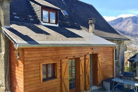 Jolie maison de montagne rénovée - 2 min. Luchon - Montauban-de-Luchon - 独立屋
