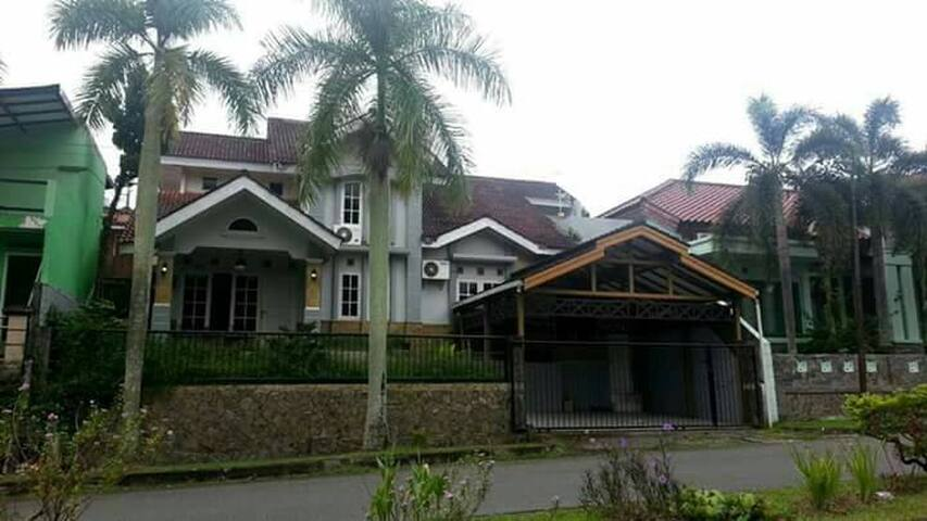 Borneo 1 - Balikpapan Baru Guest House - Balikpapan Utara - Dům pro hosty