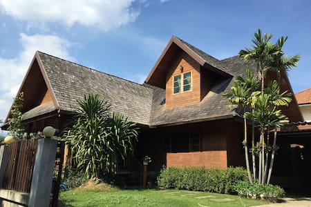 Full house清迈兰纳木屋别墅 - Tambon Pa Daet - บ้าน