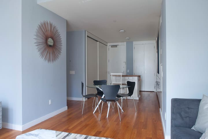 Top 20 Holiday Lettings New York NY Holiday Rentals Apartments Airbnb New  York NY New YorkNew York Holiday Apartments Lower Manhattan  Holiday Inn Manhattan  . Holiday Apartments New York Manhattan. Home Design Ideas