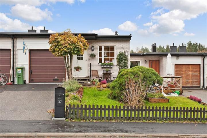 Nice townhouse 15 minutes outside Stockholm City