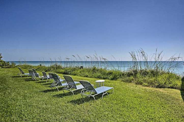 NEW! Oceanfront Vero Beach Condo w/ Balcony Views!
