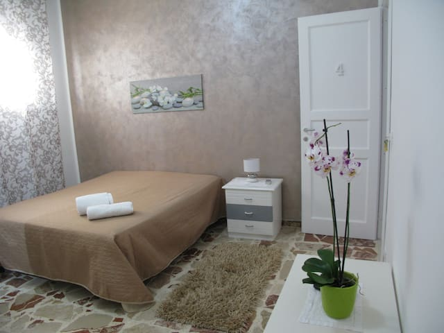 b&b  Custonaci zona strategica tra mare mare monti - Custonaci - Bed & Breakfast