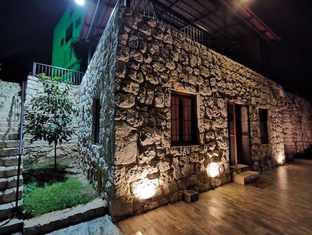 El Kherbeh - Stone House in Fatqa
