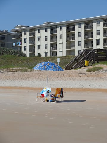 Ormond Beach Condo with a Relaxing View