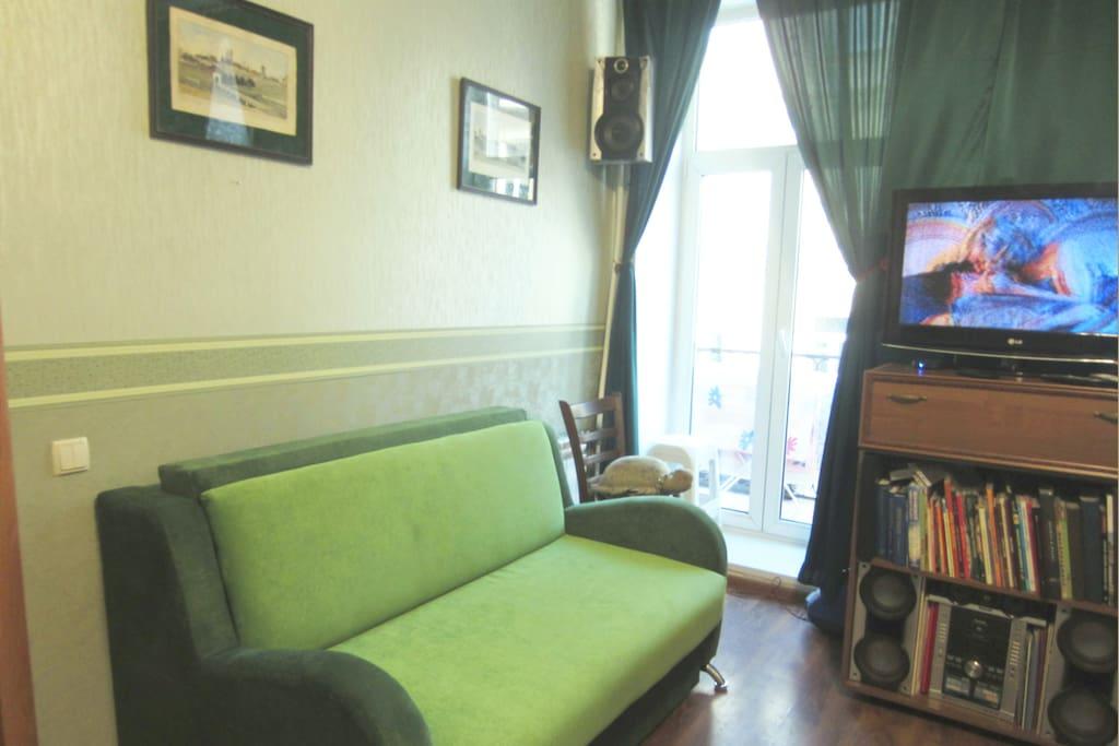 Двухспальный диван