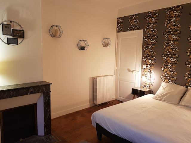 la chambre avec lit 160*200