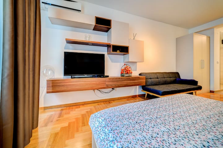 Stefani Studio Apartment in The Center of Belgrade