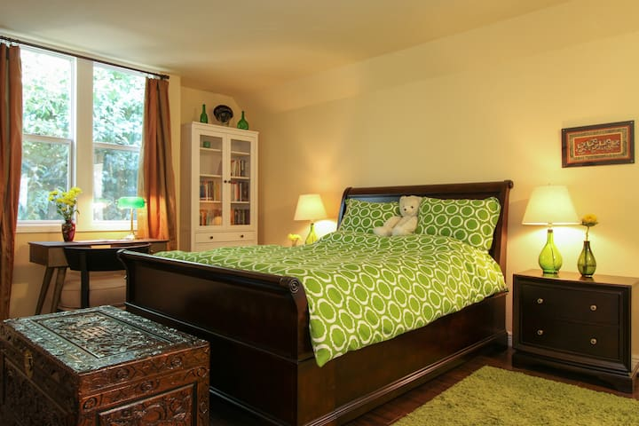 Romantic suite in Downtown Santa Rosa
