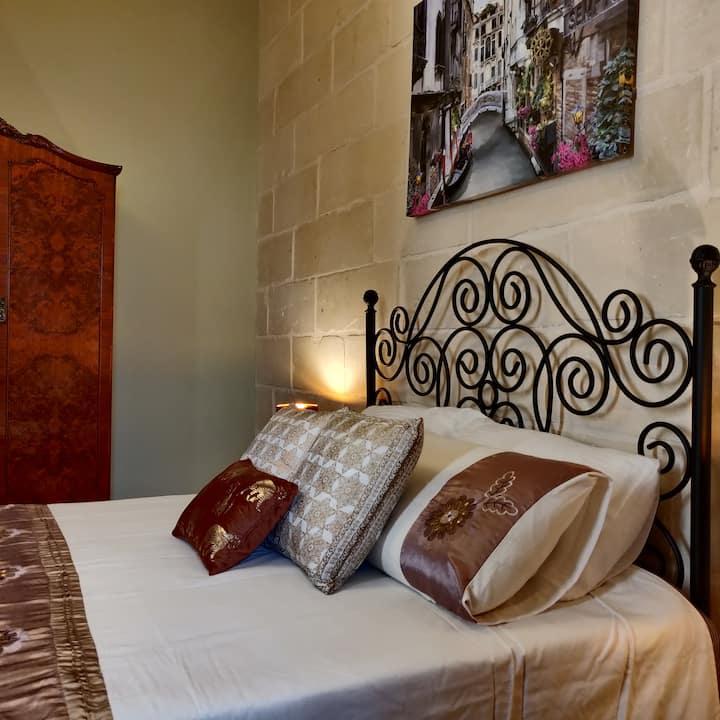 Luxury Traditional  Maltese Suite