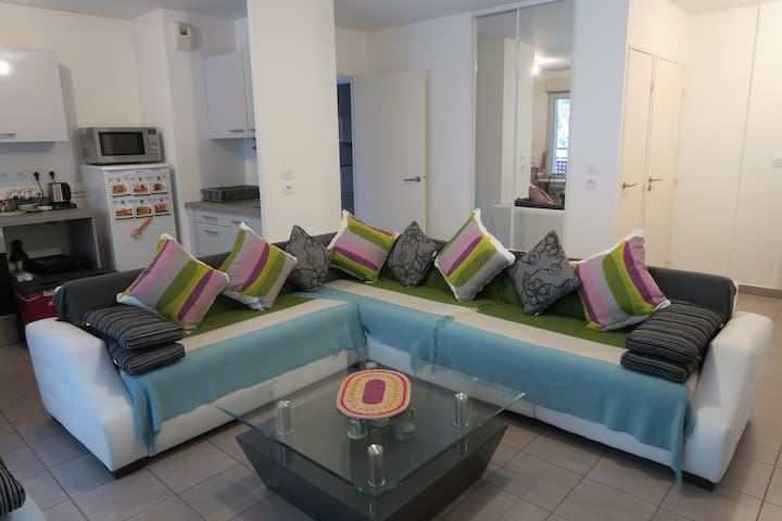 Nice apartment F3 of 62.5 m² with private parking