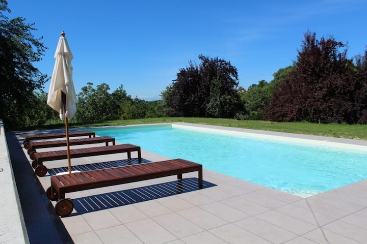 Piedmontese country home with pool