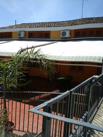 I tre ulivi home holiday - Acireale - Dom