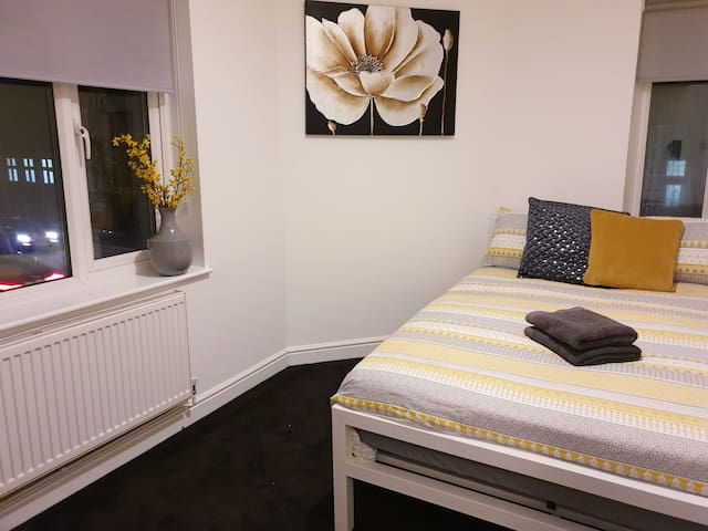 Cosy Double Room in Northampton  (4)