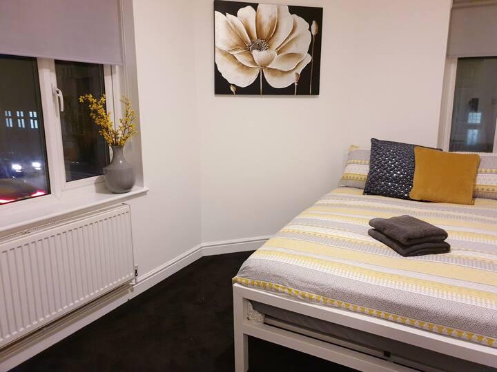Cosy Double Room in Northampton  (4)