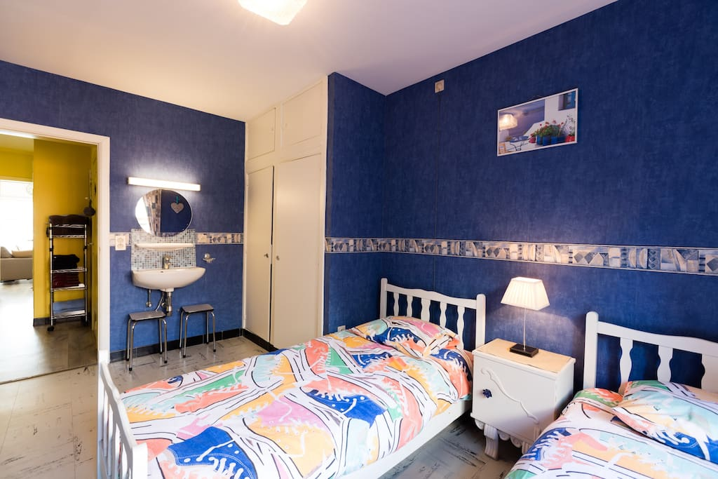 slaapkamer 2 personen met lavabo