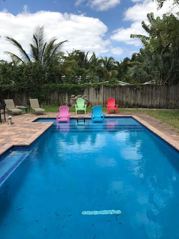 Sunny and Tropical Pool Home - Wilton Manors - Ház
