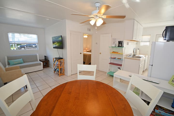 Top-Rated 1-bd Beach Suite-We have it ALL for YOU!