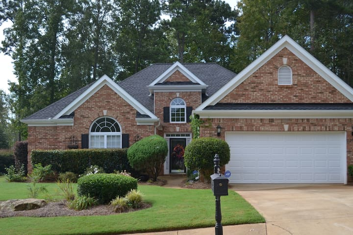 Tranquil Newnan Home Convenient to Metro ATL