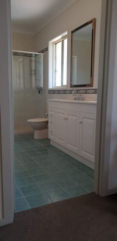 Full double ensuite and bath