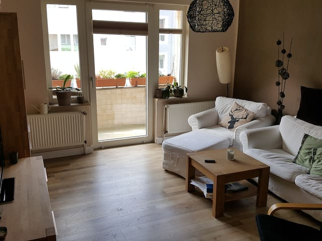 Beautiful apartment in Hanover Südstadt - Hannover - Apartment