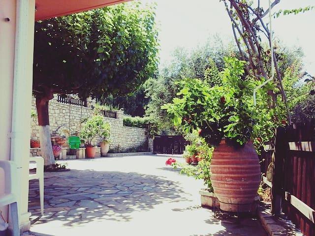 Villa Giovanni - Βράχος