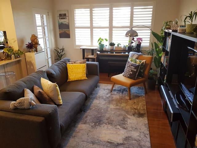 Modern, Cosy Room in Beautiful Drummoyne