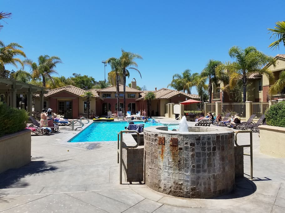 Complex Pool, Gym, & Clubhouse