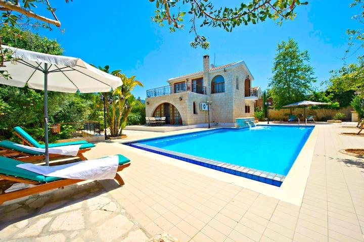Amazing Villa - Huge 14m x 7m Pool