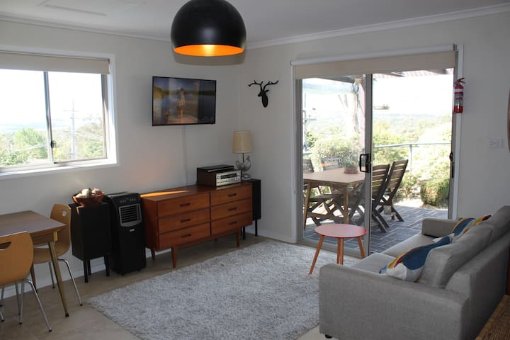 Self contained studio / cottage - Weston Creek - Kabin