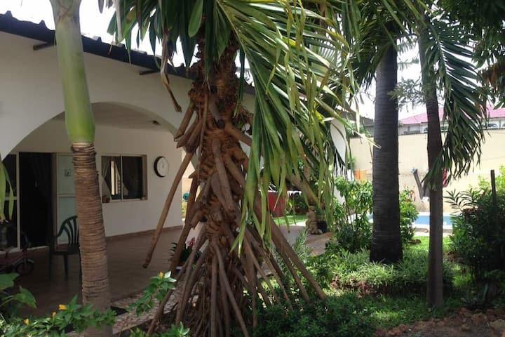 Villa Sunbird Brufut Height - Authentiek Gambia
