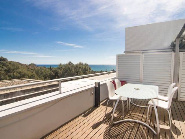 VIMET Duplex apartament in luxury complex with pool next to Sitges