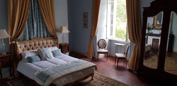 Chateau de La Fare. Marque suite