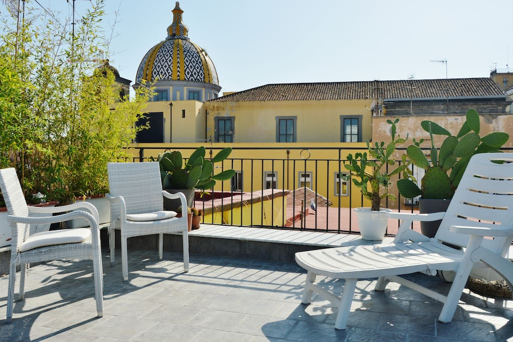 Enchanted penthouse chambres d 39 h tes louer naples for Chambre d hote italie