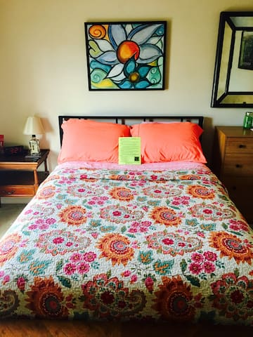 Convenient Private Room & Full Bath - Louisville - Rumah