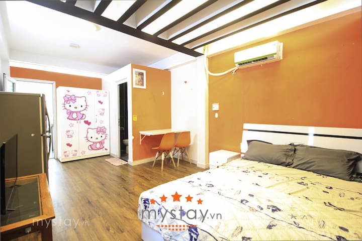 MAYA - Apt in Central Saigon - with  large terrace