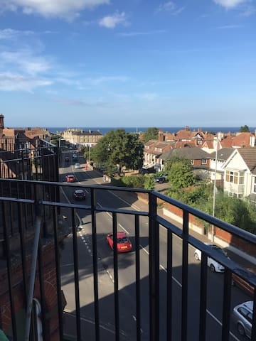 Spacious - with sea views and business ready - Cromer - Appartement