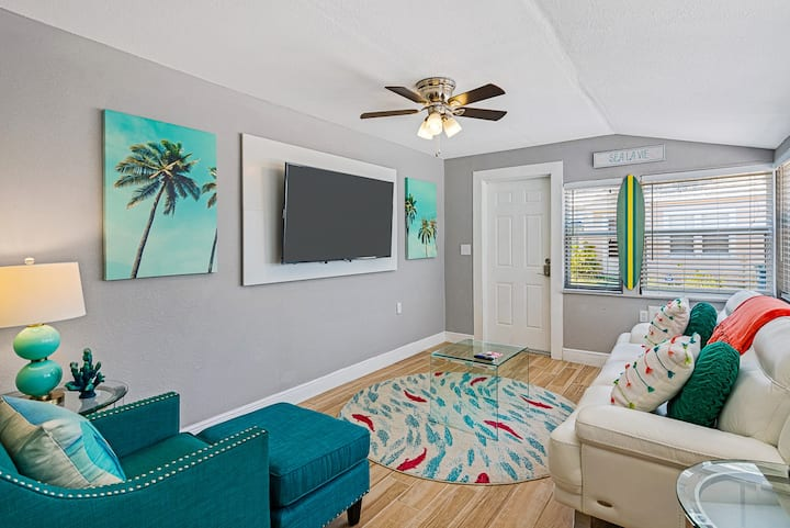 Beachside Bungalow West @ Sunset Beach and Caddys