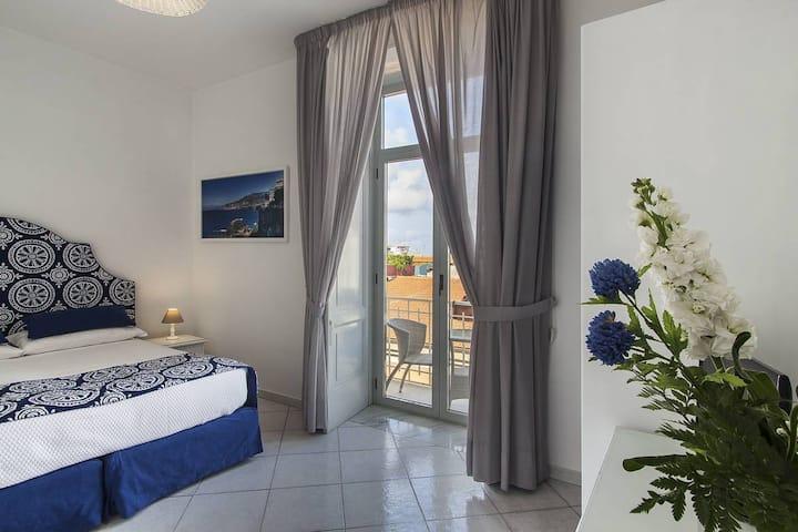 Palazzo Starace - Room with Balcony