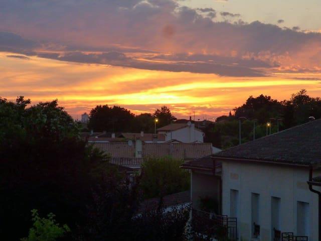 Appartement au calme et proche de Bordeaux - Carbon-Blanc - Huoneisto